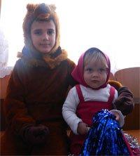 Фото Влады и вторго персонажа мультика - Медведя.